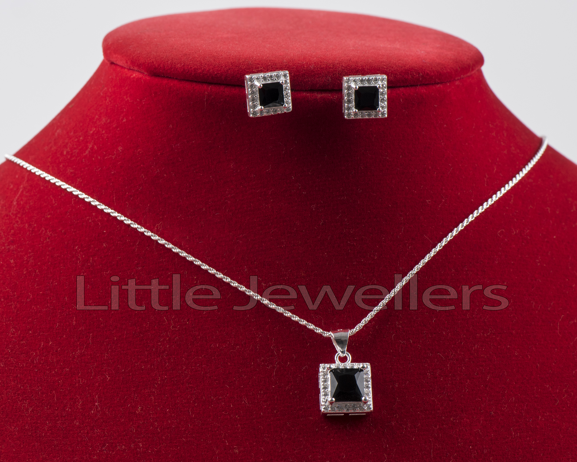 Black Shimmering Square shaped Necklace Set