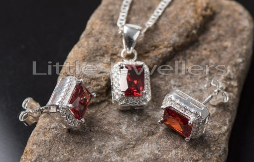 This is an eye-catching piece of jewelry with a cz garnet stone