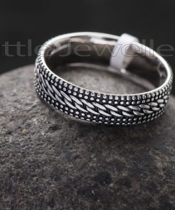 Men's link Design Ring in Oxidized Sterling Silver
