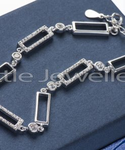 Exquisitely stunning 925 silver cubic zarconia bracelet