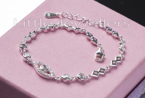 An awesome sparkle from this cubic zirconia bracelet.