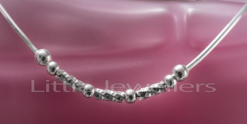 A simple yet elegant pure silver anklet.