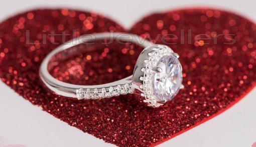 Halo shaped ring
