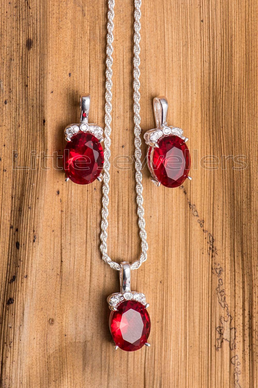 A minimal and beautiful cz garnet necklace set.
