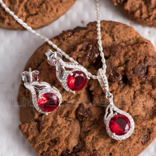 A striking red pure silver necklace set