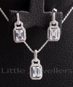 A luxurious Square shaped silver necklace set