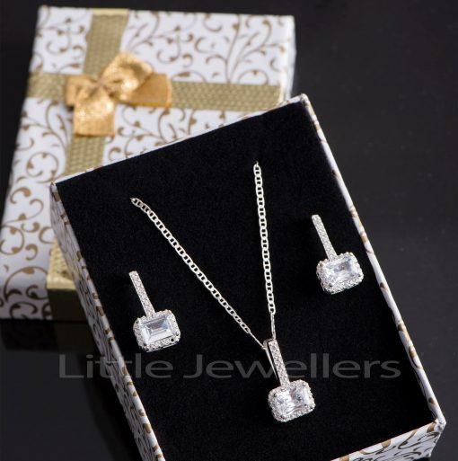A stylish and unique square drop earrings & pendant necklace set