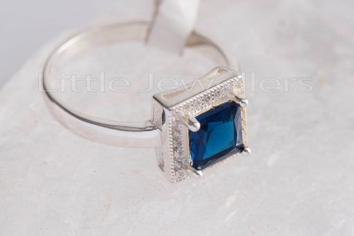 A stunning blue sterling silver ring