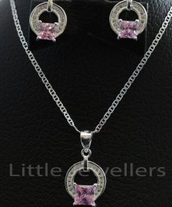 Express yourself with this lovely necklace set that has an exquisite pink bold color.