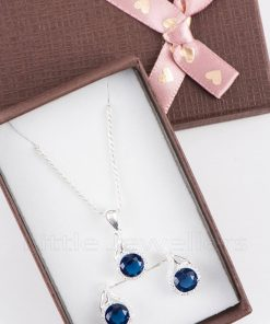 A deep blue cz sapphire necklace set that is elegant and fashionable
