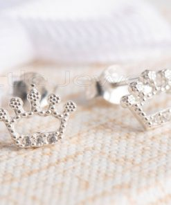 Sparkle and shine with this hypoallergenic silver crown earrings