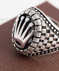 2 tone design with brushed ring shank
